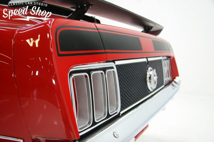 70_ford_mustang_mach_1-73