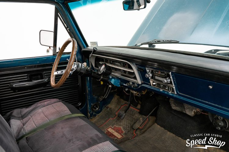70 Ford F100 - Build Photos-26