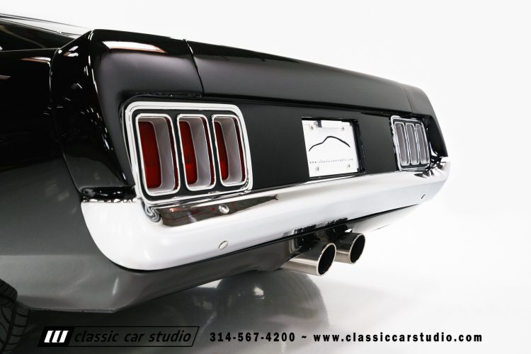 70_ford_mustang-16