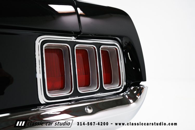 70_ford_mustang-17