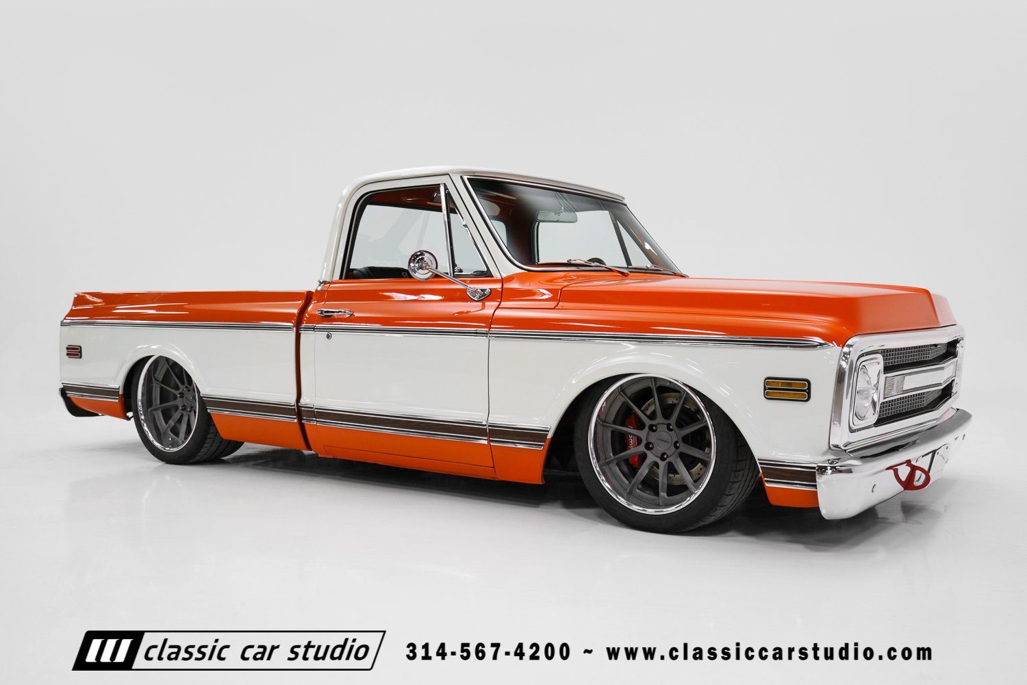 1970 Chevrolet C10 Pro Touring Classic Car Studio
