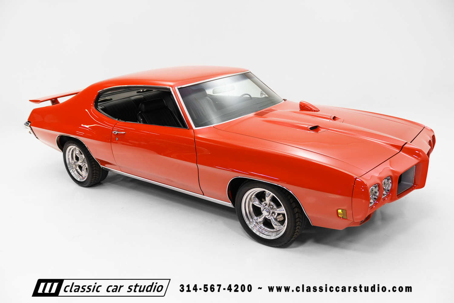 1970 pontiac gto classic car studio. Black Bedroom Furniture Sets. Home Design Ideas