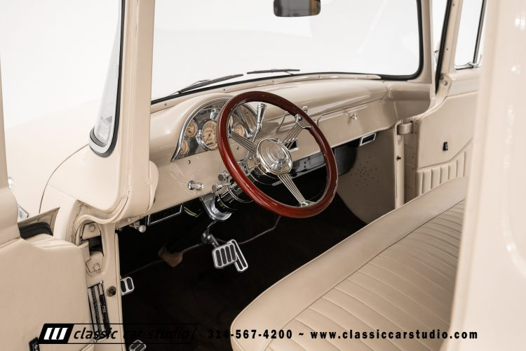 56 Ford F100-29