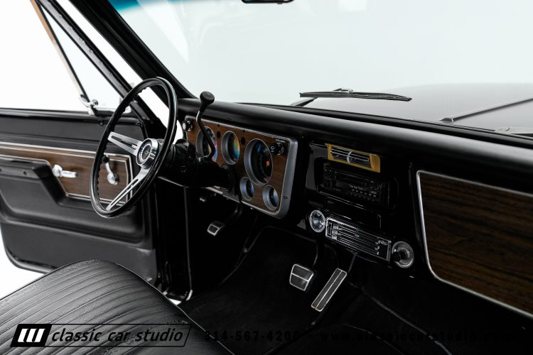 72_Chevy_C10-black-#1922-38