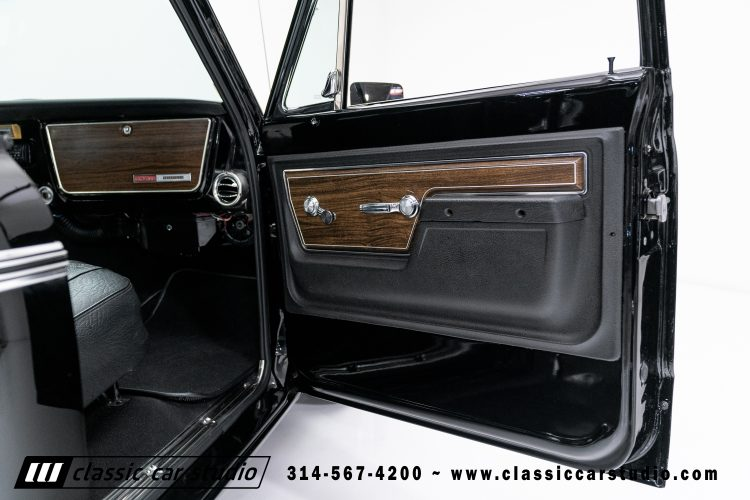 72_Chevy_C10-black-#1922-39