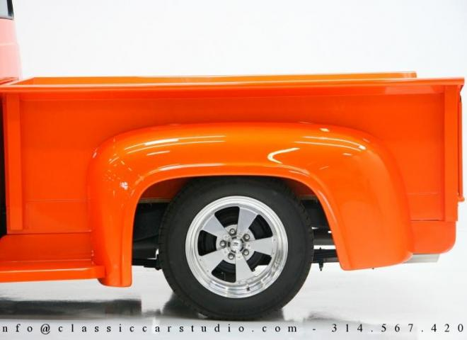 1325-1953-Ford-F100-Custom-Pickup-Truck-13