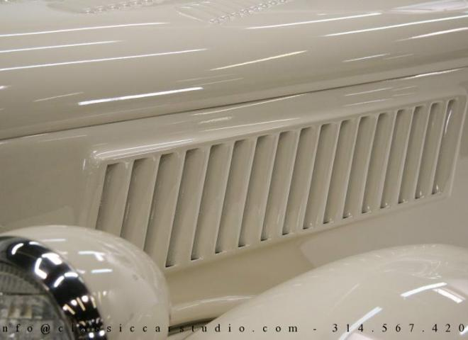 1357-1935-Ford-3-Window-12