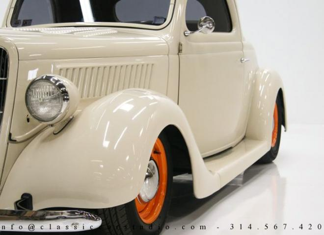 1357-1935-Ford-3-Window-16