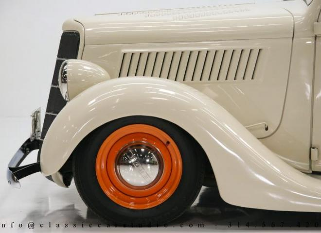 1357-1935-Ford-3-Window-17