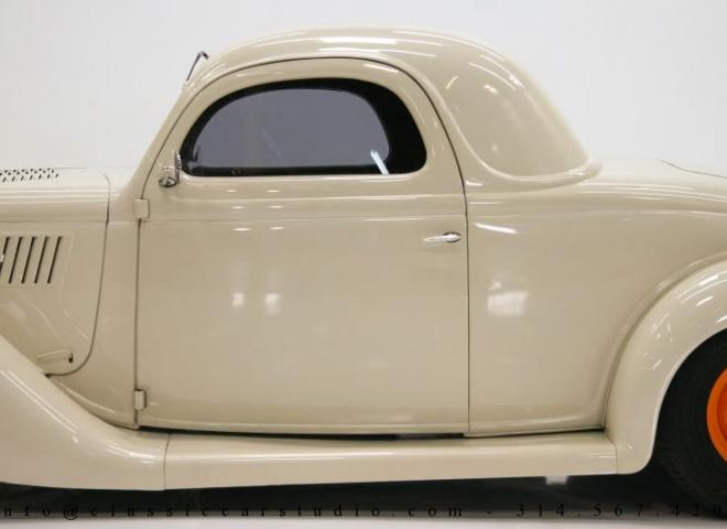 1357-1935-Ford-3-Window-18