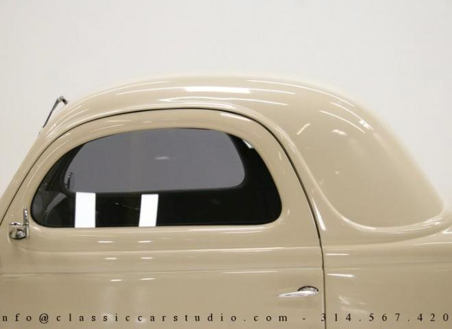 1357-1935-Ford-3-Window-19