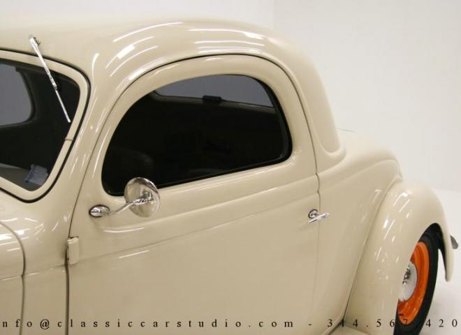 1357-1935-Ford-3-Window-20