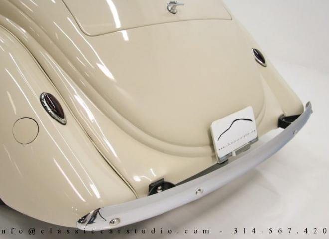 1357-1935-Ford-3-Window-23