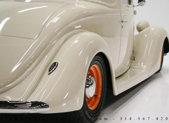 1357-1935-Ford-3-Window-26