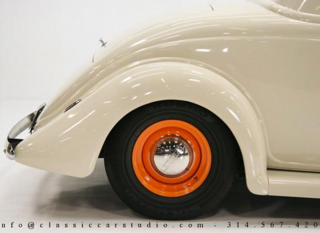 1357-1935-Ford-3-Window-28