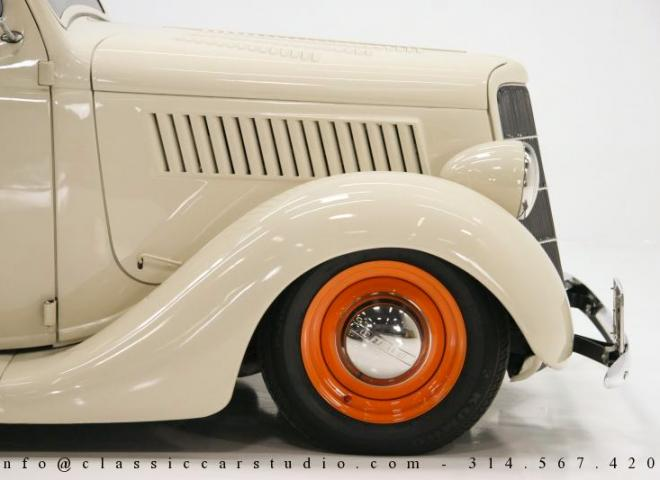 1357-1935-Ford-3-Window-30