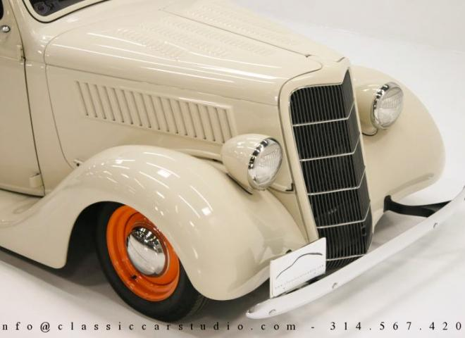 1357-1935-Ford-3-Window-34