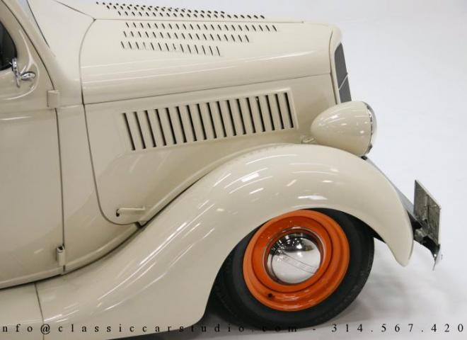 1357-1935-Ford-3-Window-36