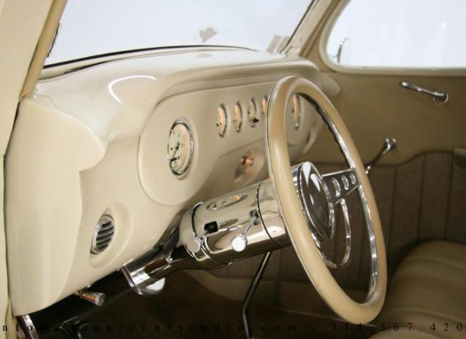 1357-1935-Ford-3-Window-38