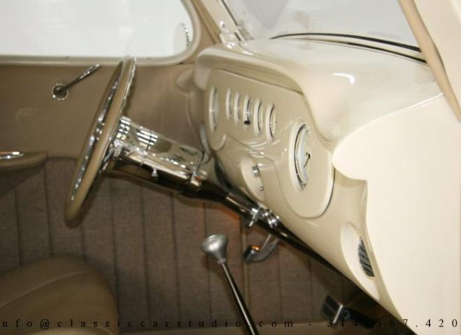 1357-1935-Ford-3-Window-45