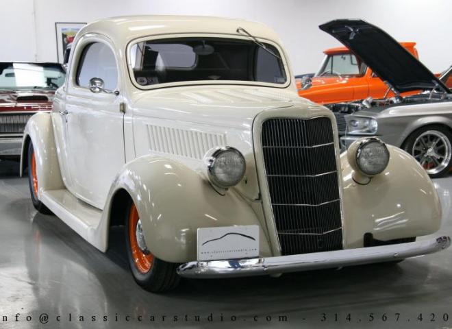 1357-1935-Ford-3-Window-59