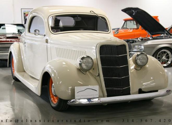 1357-1935-Ford-3-Window-61
