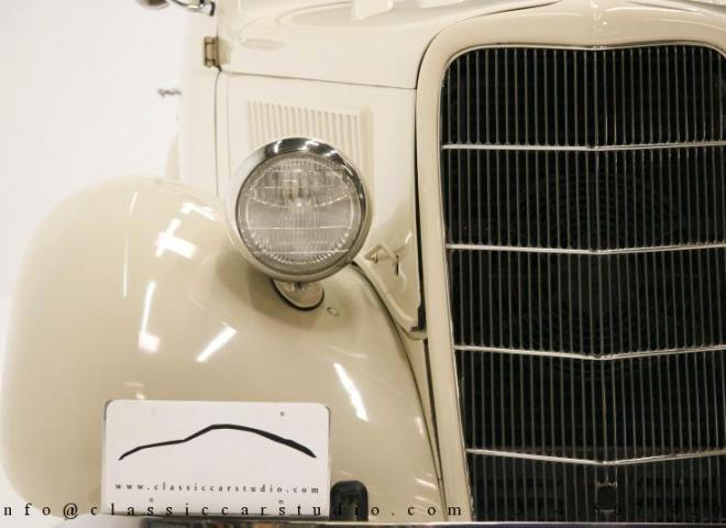 1357-1935-Ford-3-Window-8
