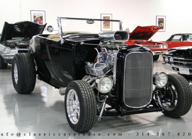1400-1932-Ford-Roadster-1