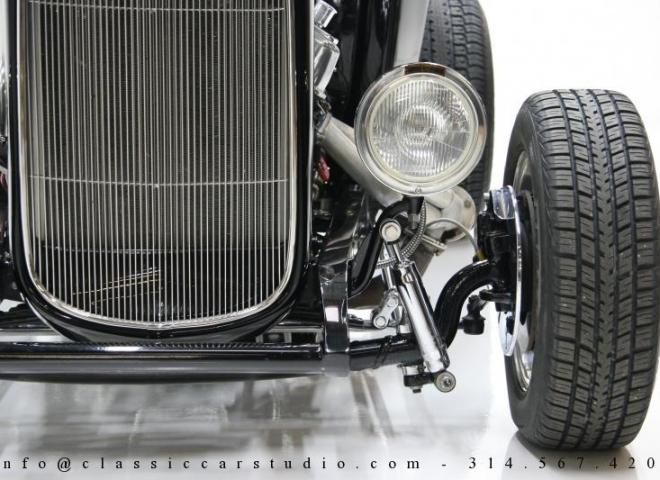 1400-1932-Ford-Roadster-10