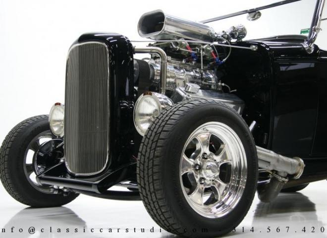 1400-1932-Ford-Roadster-11