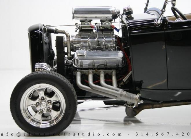 1400-1932-Ford-Roadster-12