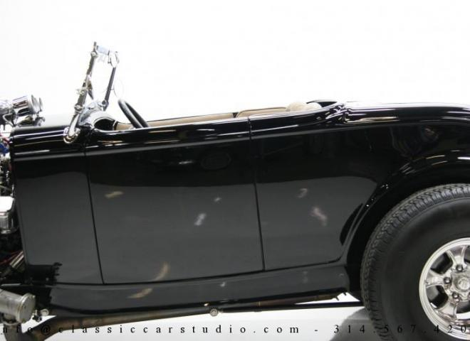 1400-1932-Ford-Roadster-13