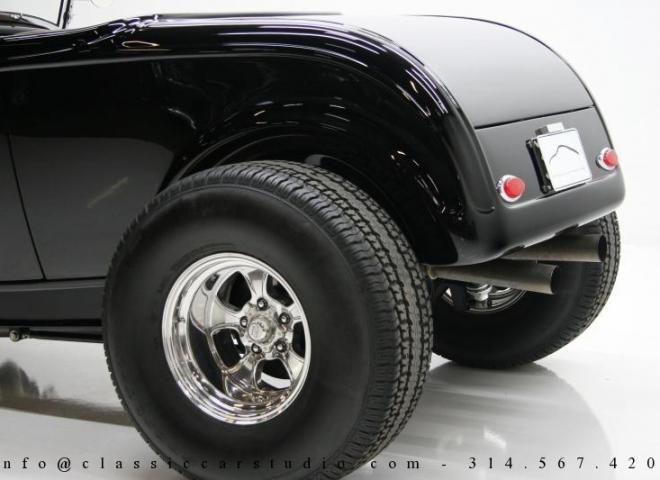 1400-1932-Ford-Roadster-15