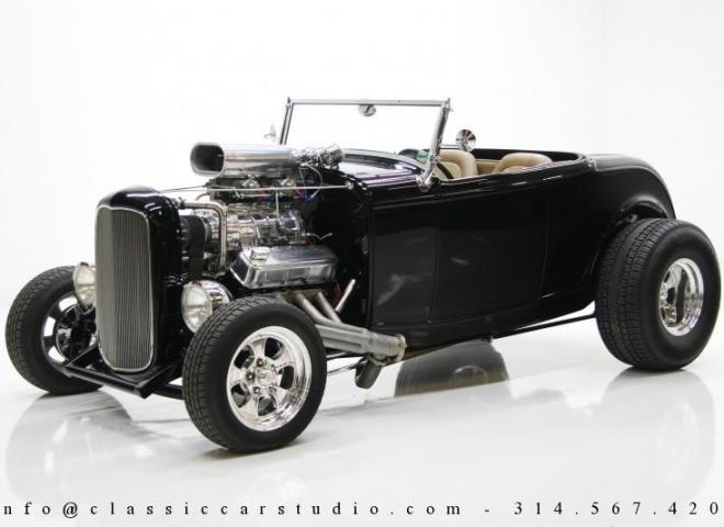 1400-1932-Ford-Roadster-3