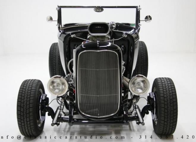 1400-1932-Ford-Roadster-4