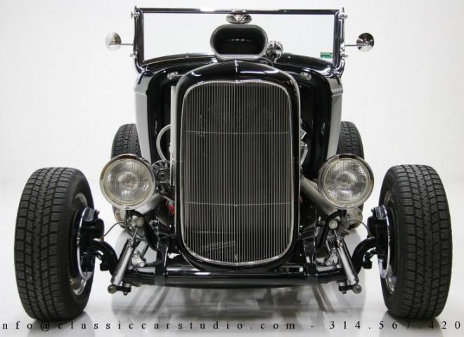 1400-1932-Ford-Roadster-5
