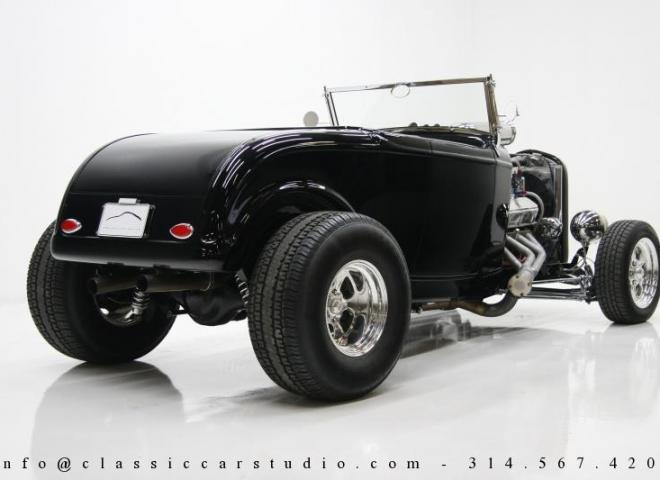 1400-1932-Ford-Roadster-7