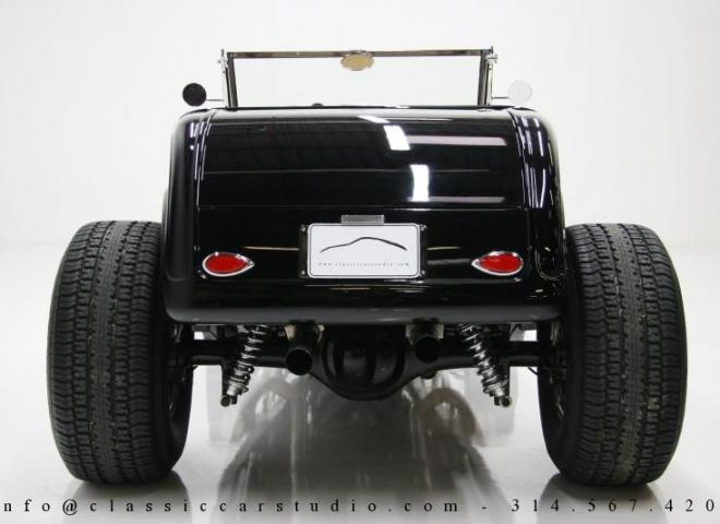 1400-1932-Ford-Roadster-8