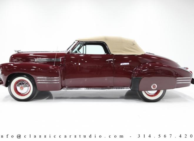 1600-1941-Cadillac-Series-62-Convertible-4