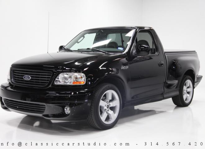 1698-2003-Ford-F-150-SVT-Lightning-Pickup-Truck-2