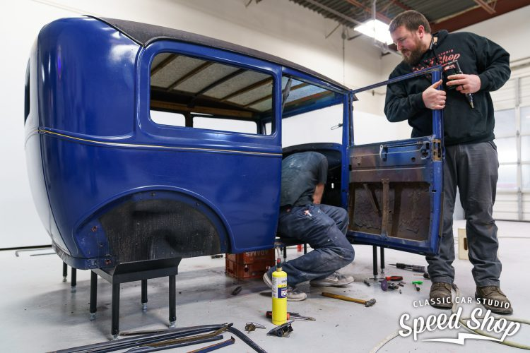 31 Ford - Build Photos-25
