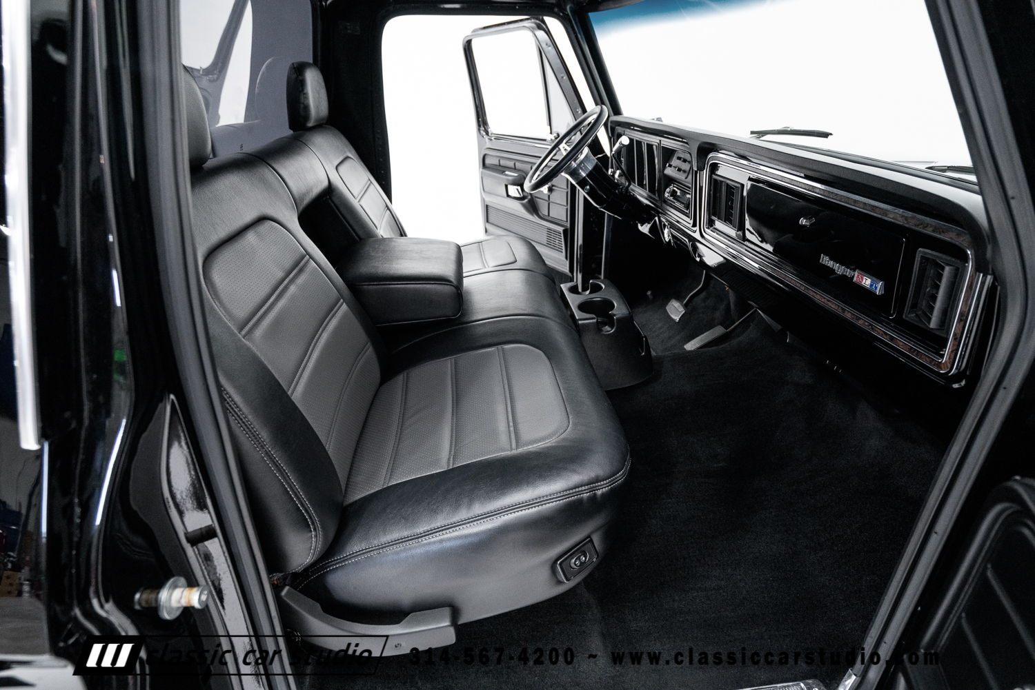 1973 Ford F100 Classic Car Studio